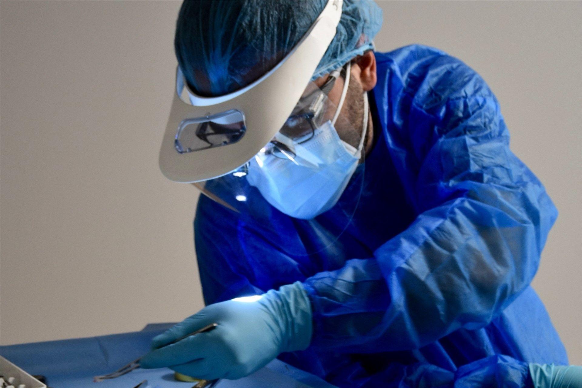 Image médecin dentiste Valente Nicola clinique dentaire du lac Morges